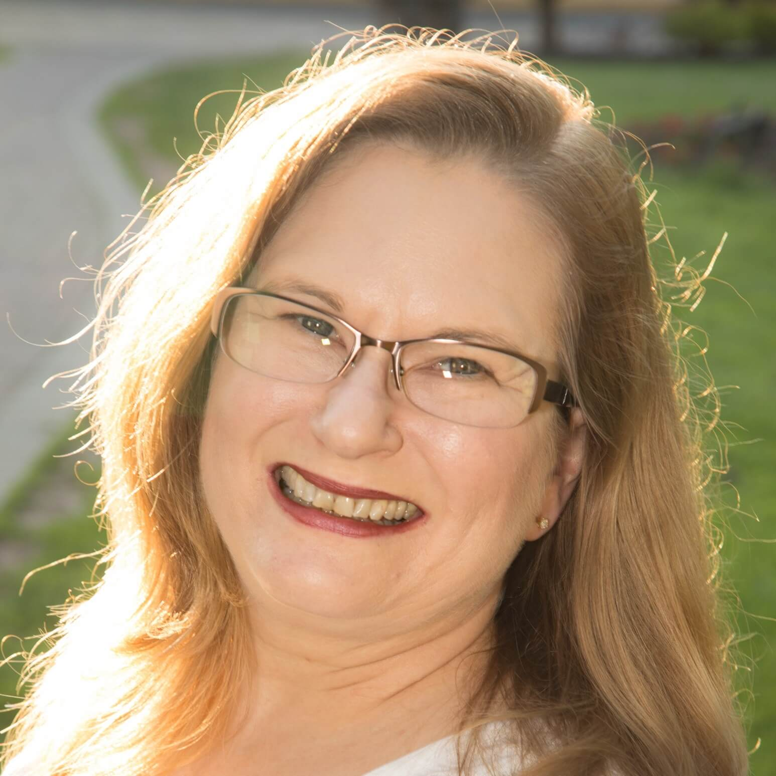 Headshot of Rebecca Strub, Lawyer and New Law Business Model member.